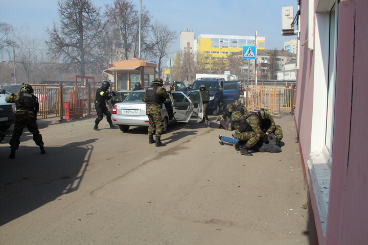 Набрянском автовокзале обезвредили условных террористов