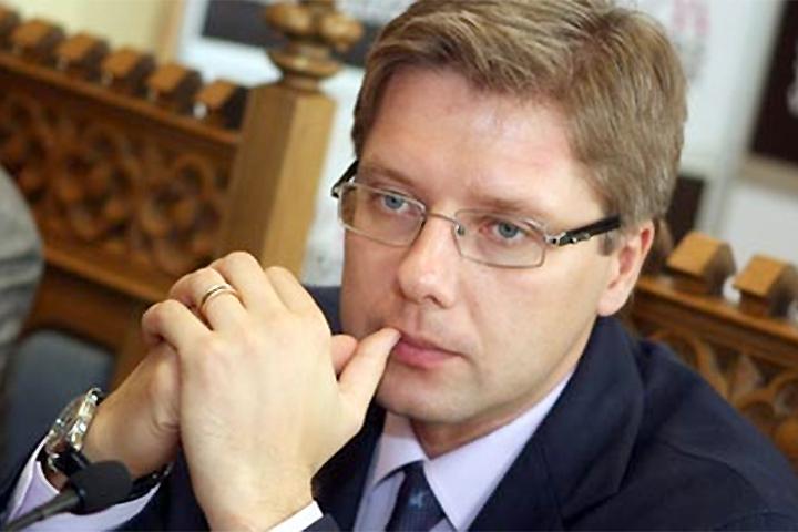 Мэр Риги сумеет общаться нарусском в социальных сетях