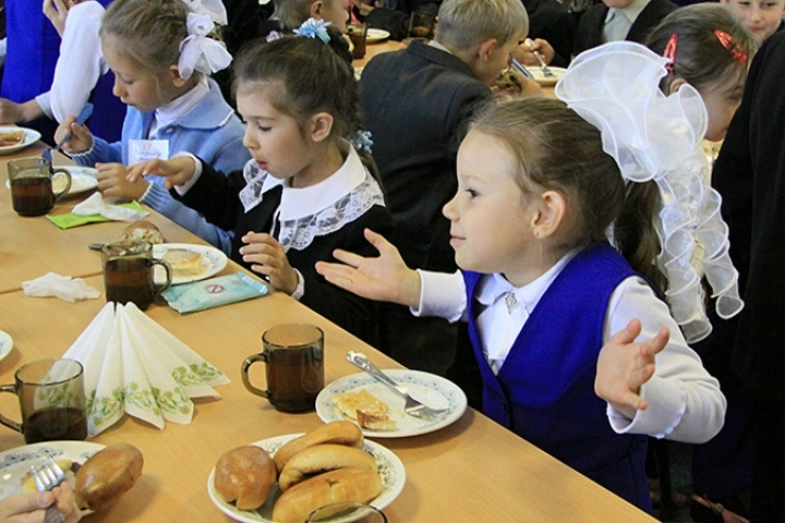 Рустам Минниханов проведет совещание по задачам организации горячего питания вшколахРТ