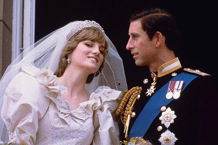 В реализацию поступает новая книжка про принца Чарльза