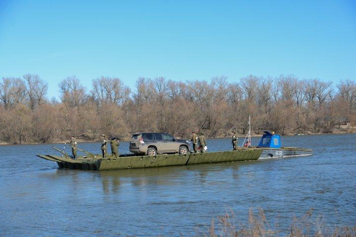 Cотрудники экстренных служб спрогнозировали подтопление моста через реку Ворона вВоронежской области