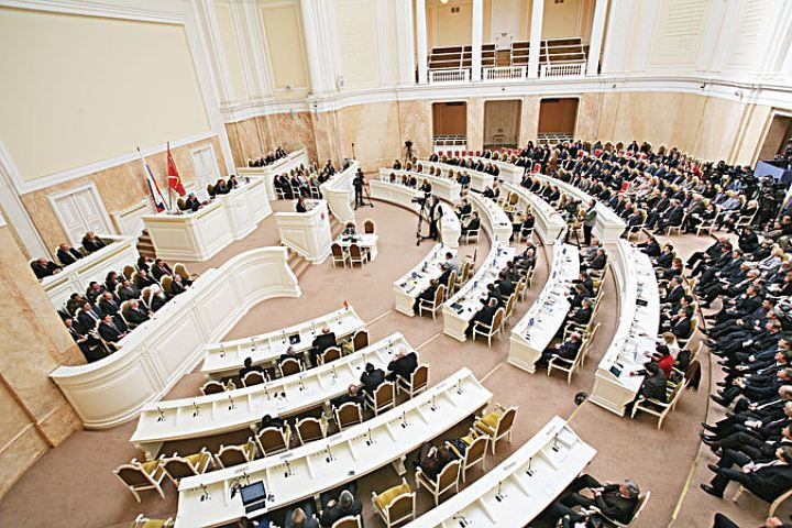 Спикер ЗакСа накричал навице-губернатора Бондаренко