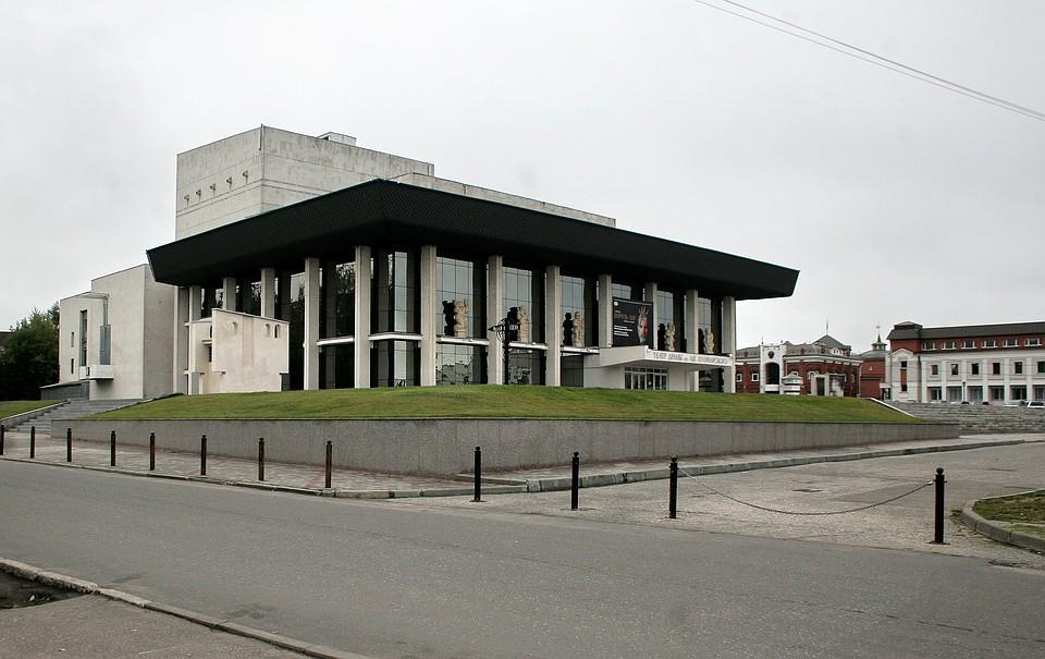 Владимирцы голосуют запроекты монумента провинциальному артисту
