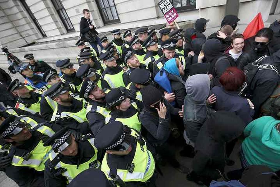 Намарше против терроризма встолице Англии задержали 14 человек