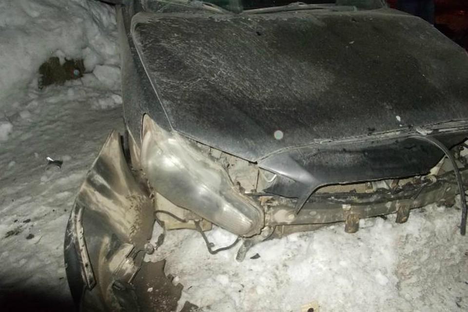 Две иномарки столкнулись вИжевске, шофёр ипассажиры пострадали ФОТО