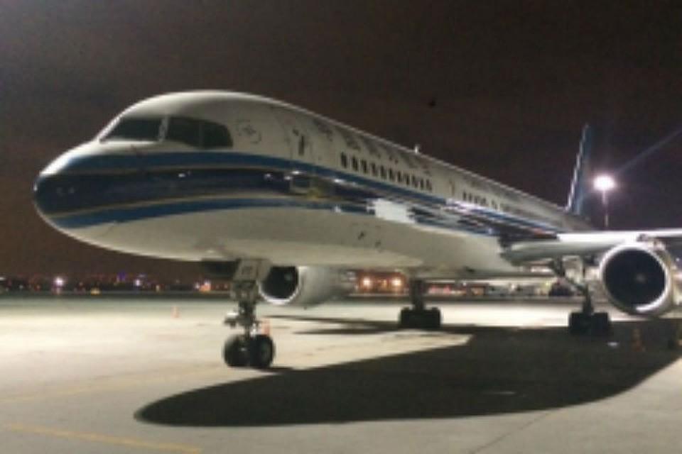Ваэропорту Пулково трапом разрушен самолет китайской авиакомпании
