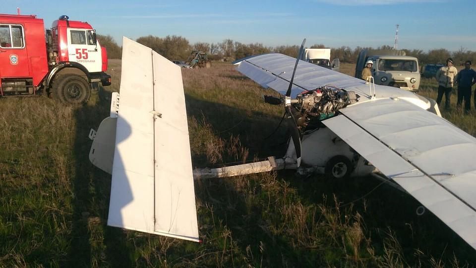 Пилот пострадал при падении самолета вРостовской области