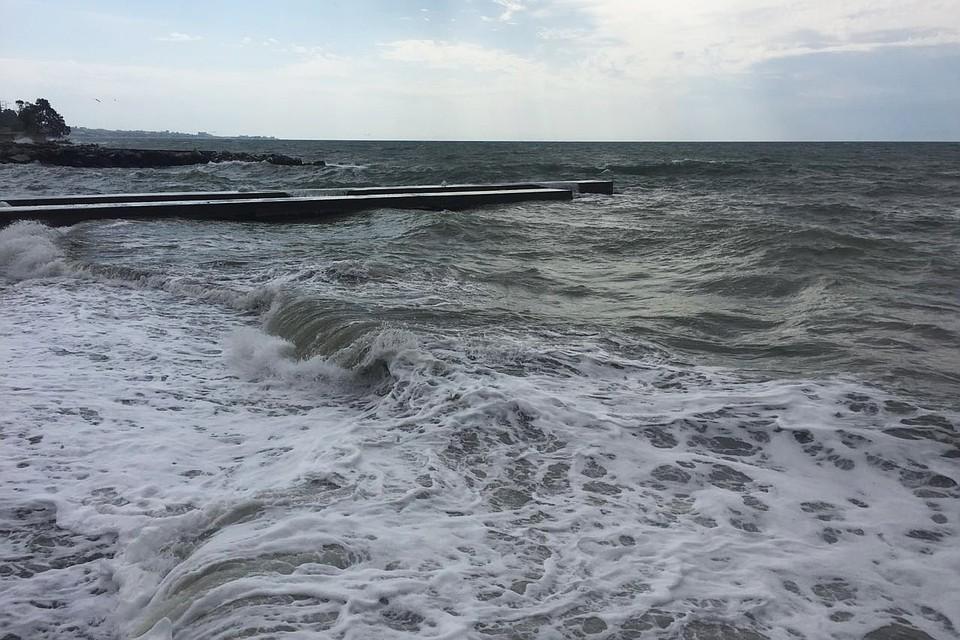 ВСочи мужчина бесследно пропал вштормовом море