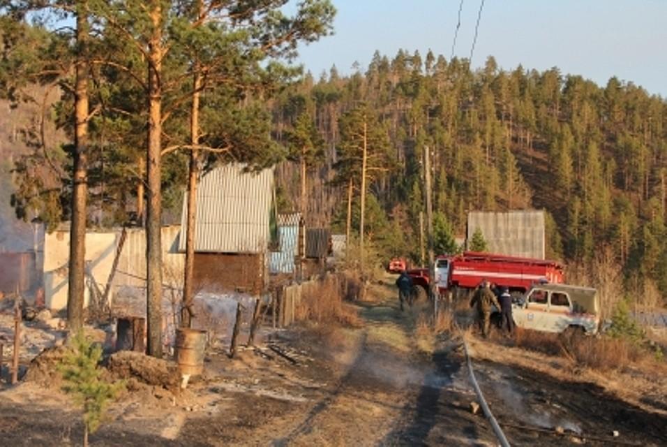 ВУлан-Удэ из-за пала сухой травы дотла сгорели 6 домов