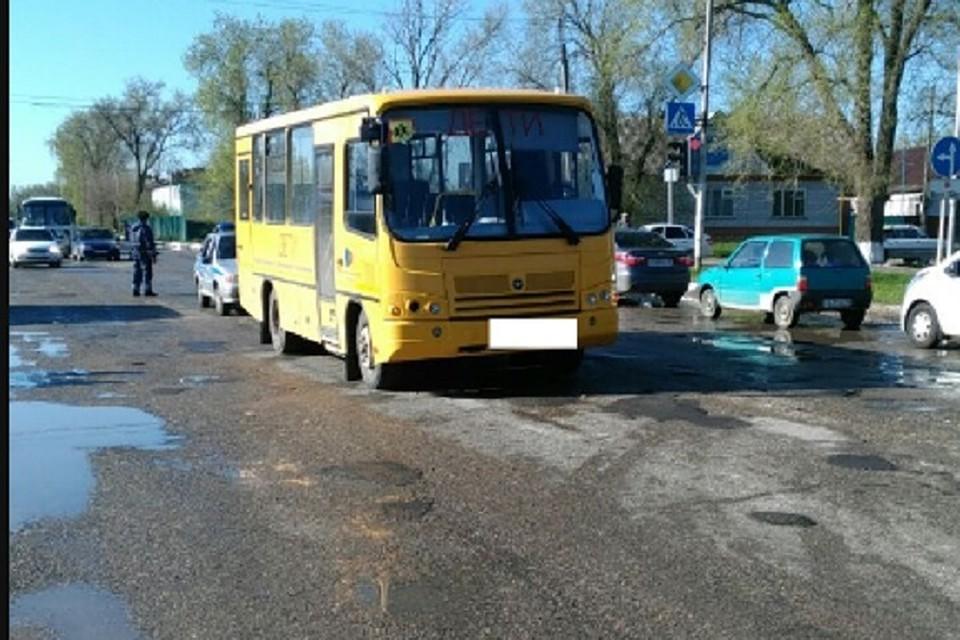 ВИпатово под колесами школьного автобуса погибла 76-летняя женщина