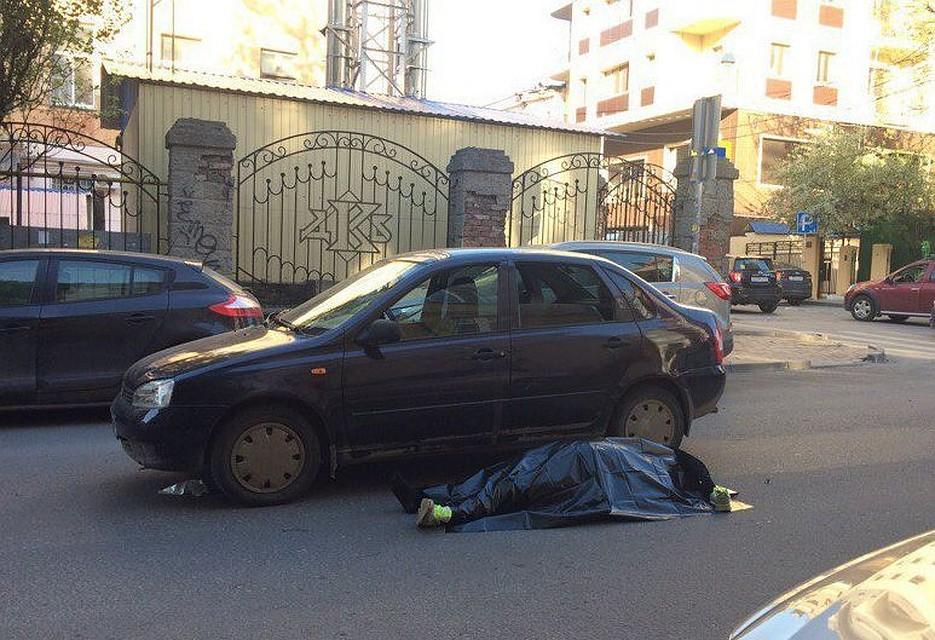 Вцентре Ростова зарулем автомобиля скончался шофёр