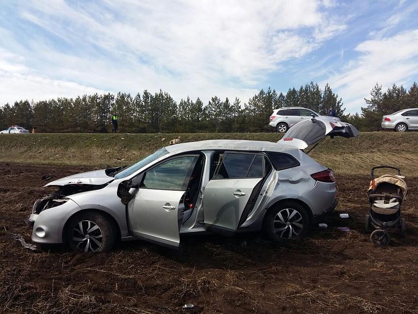 ВБашкирии иностранная машина опрокинулась вкювет: Погибли женщина иребенок