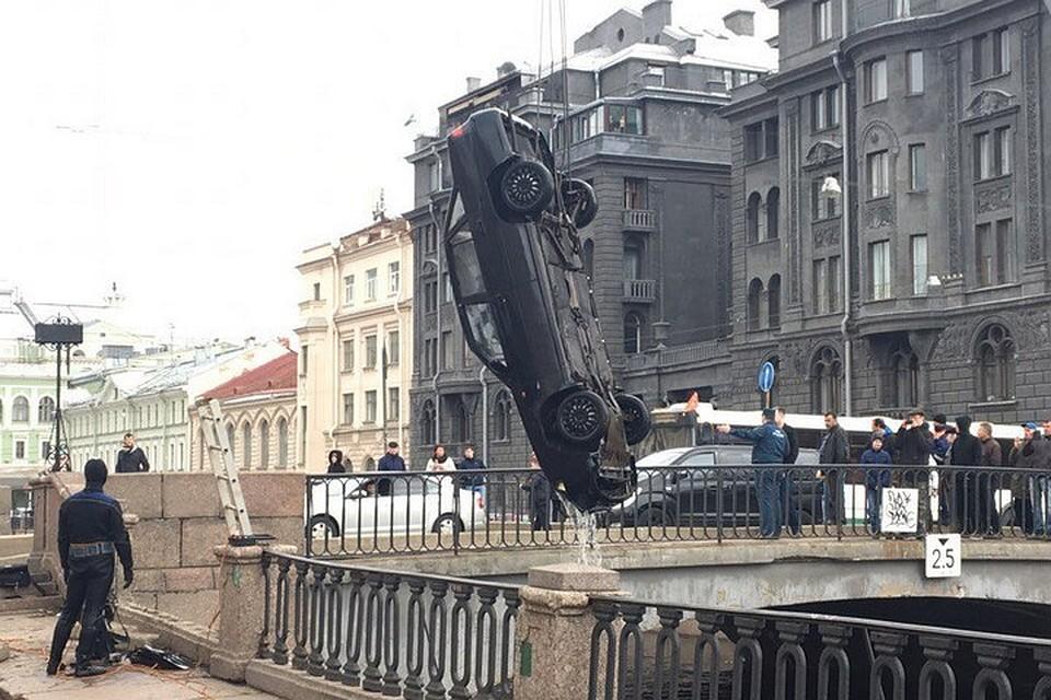 ДТП сучастием 3-х машин случилось вПетербурге