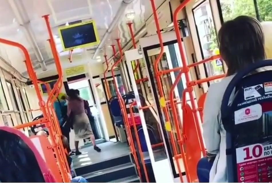 ВКраснодаре буйная пассажирка избила кондуктора трамвая №7