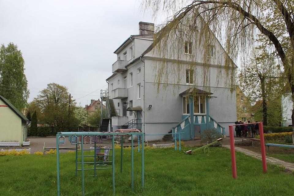 Калининградские власти предоставят дом семье, взявшей навоспитание семерых детей