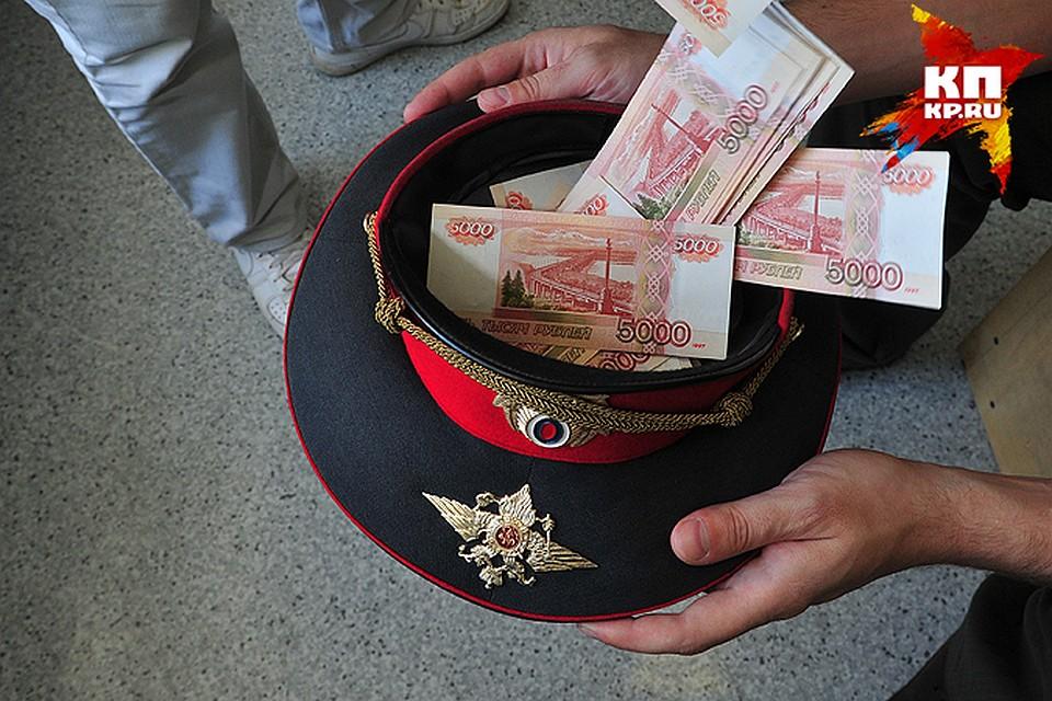 Полицейский сообщал ритуальному агентству информацию обумерших новосибирцах