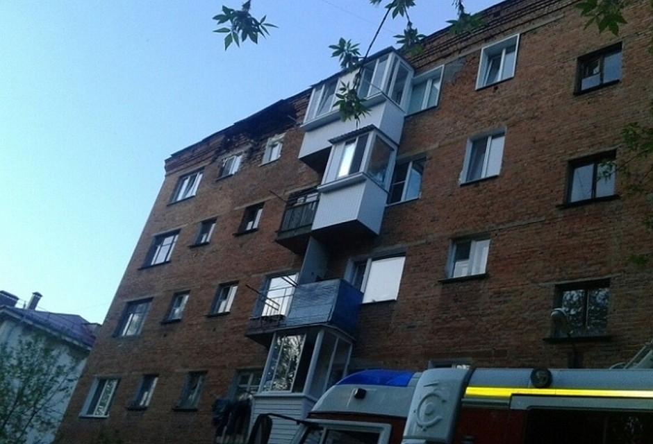 Жильцы омской 5-этажки срухнувшей стеной ночевали вавтобусе