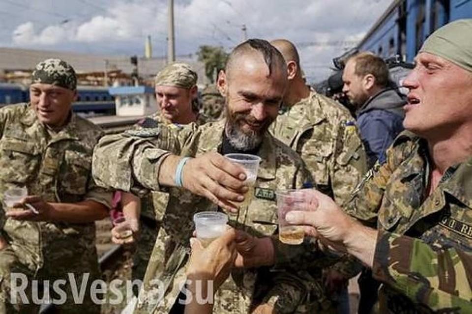 Пагубные пристрастия сослуживцев заставили солдата ВСУ сдаться ополченцам