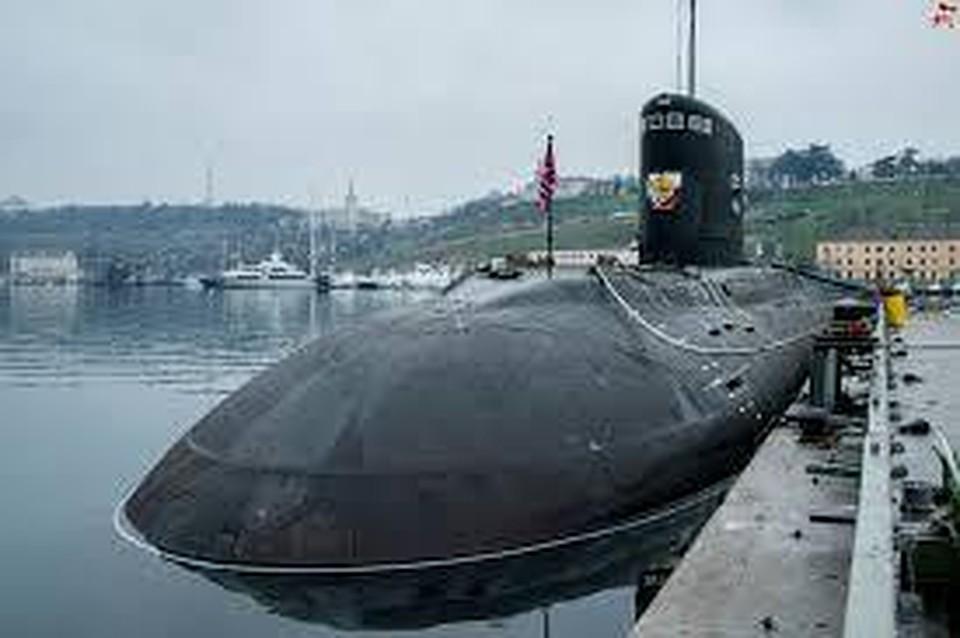 Российскую подлодку «Краснодар» вСредиземноморье сопровождал американский крейсер