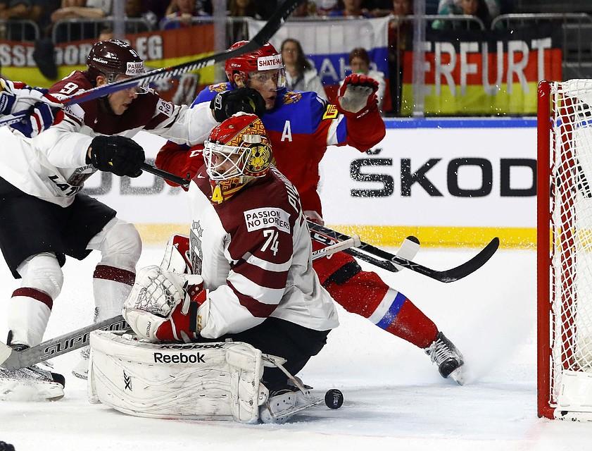 У ворот сборной Латвии было жарко, наши пять раз забросили шайбы.