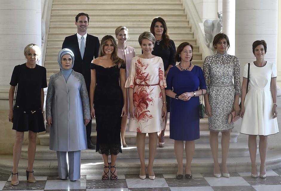 Вмалиннике. супруг премьера Люксембурга позировал для фото вместе спервыми леди