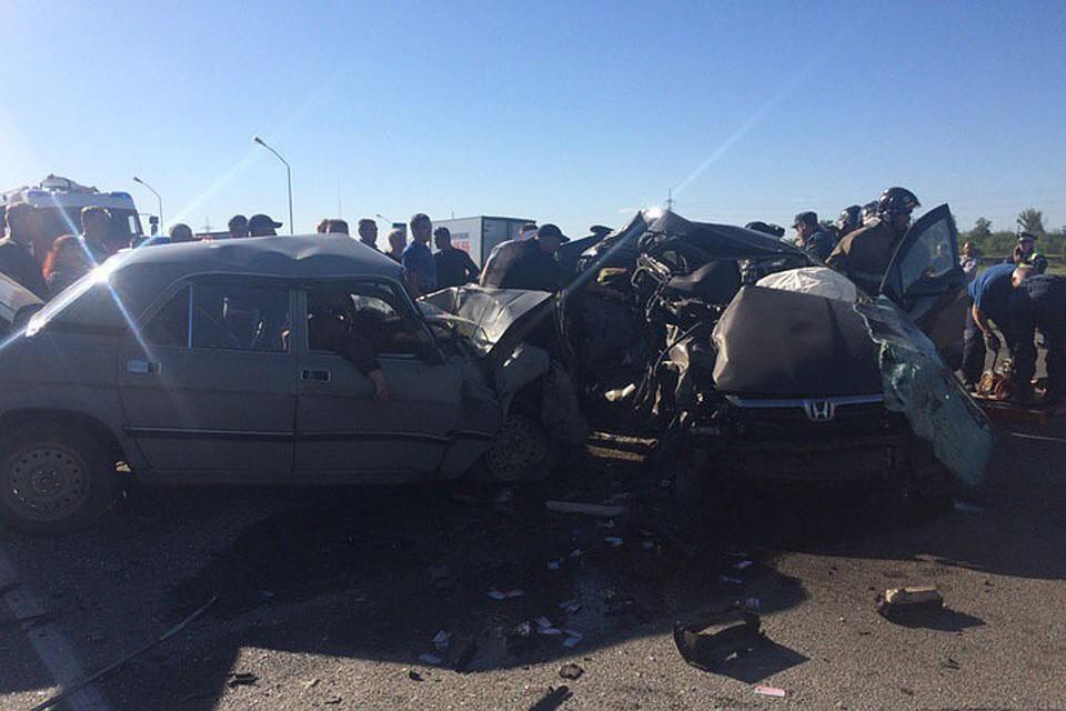 Смертельное ДТП вБарнауле: иностранная машина вылетела навстречку истолкнулась сГАЗ