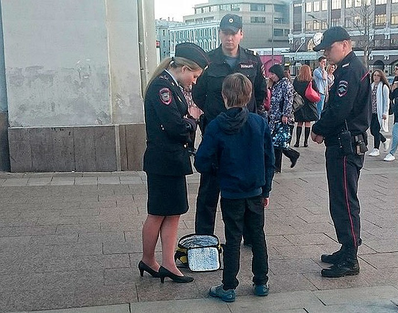 Как по закону должны были себя вести полицейские с мальчиком на Арбате