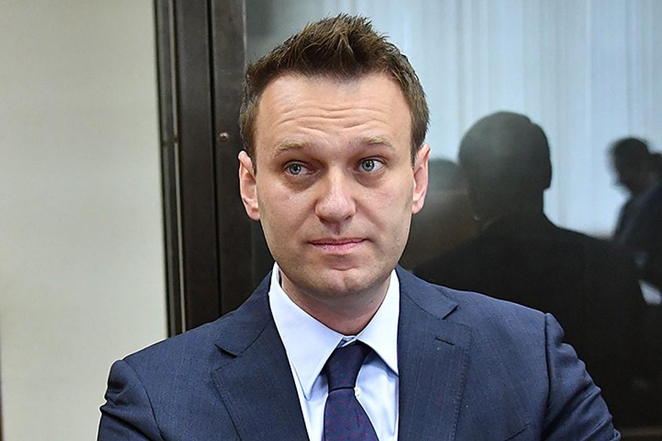 Навальный потребовал вызвать Медведева иШувалова насуд сУсмановым