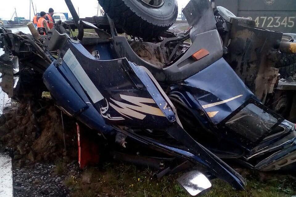 ВХабаровском крае шофёр большегруза угодил под поезд