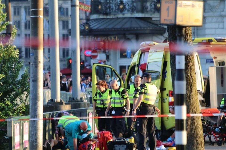 Милиция Амстердама непризнала терактом инцидент снаездом автомобиля напешеходов