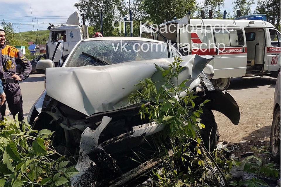 Влобовом столкновении авто направобережье пострадали 4 человека