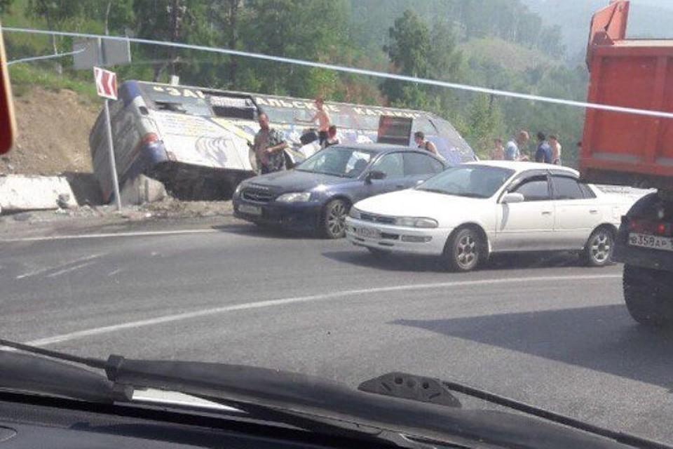 15 человек пострадали в трагедии на автотрассе Байкал