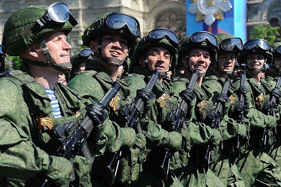 Путин подписал поправки кзакону «Овоенном положении»