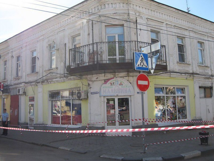 Вобрушении перекрытия 137-летнего двухэтажного жилого дома ищут виновных вМичуринске