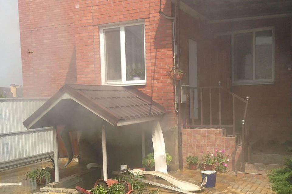 ВКраснодаре вподвале дома взорвались баллоны сгазом