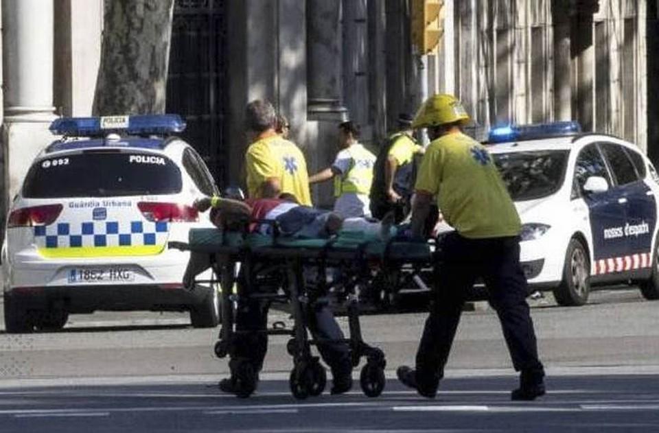 Власти Барселоны подтвердили смерть 13 человек в итоге теракта
