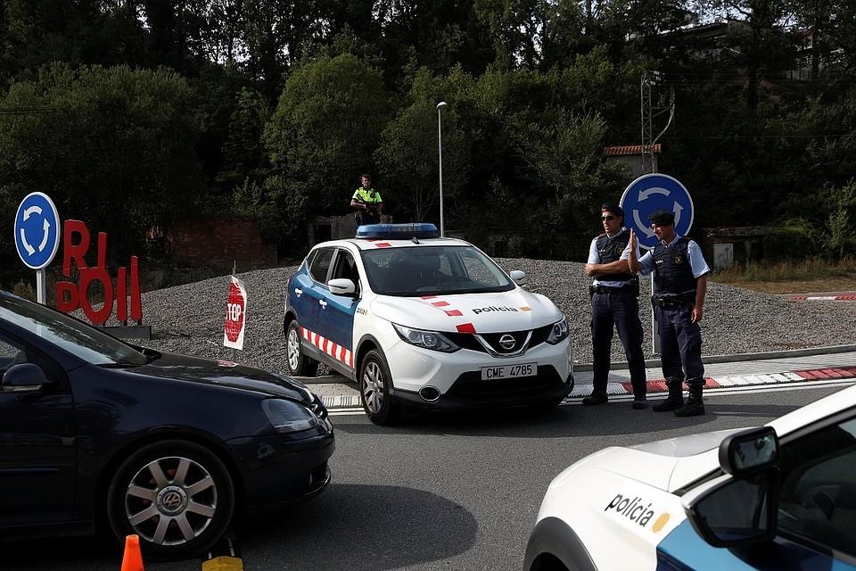 Испанская полиция установила личность водителя, устроившего теракт вБарселоне