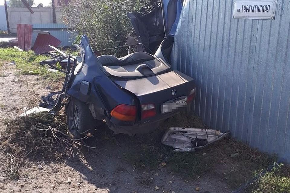 Автомобиль разорвало начасти в итоге жуткого ДТП вБийске