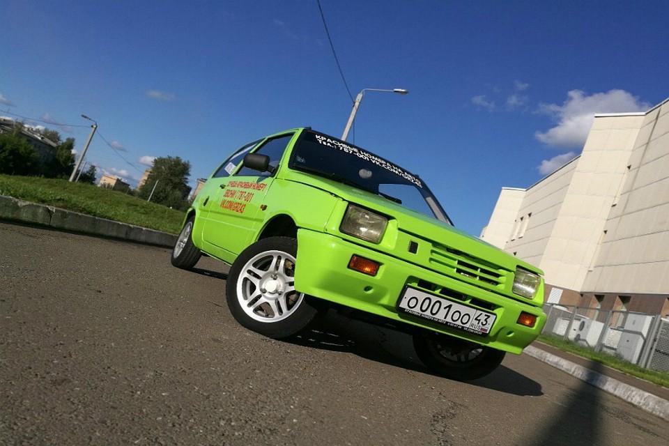Гражданин Кирова выставил на реализацию автомобиль «Ока» за1,5 млн руб.