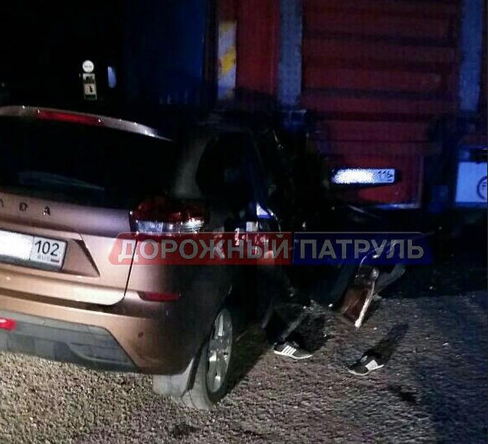 ВБашкирии шофёр соднолетним стажем врезался вприпаркованную фуру