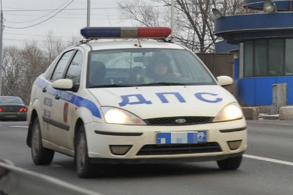 Под Омском при столкновении сфурой умер шофёр КамАЗа