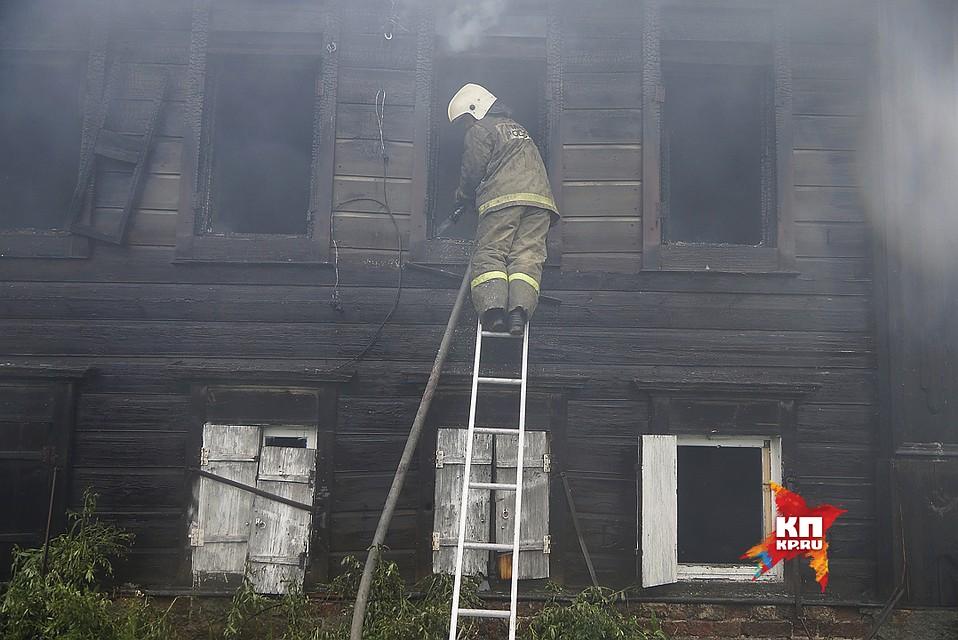 ВРежевском районе сгорел дом. Несколько человек погибли