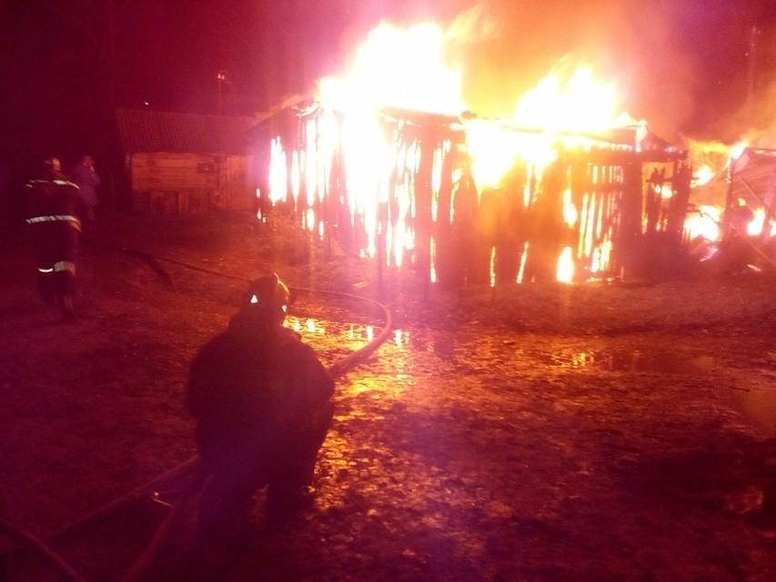 ВВеневском районе огонь уничтожил 12 сараев