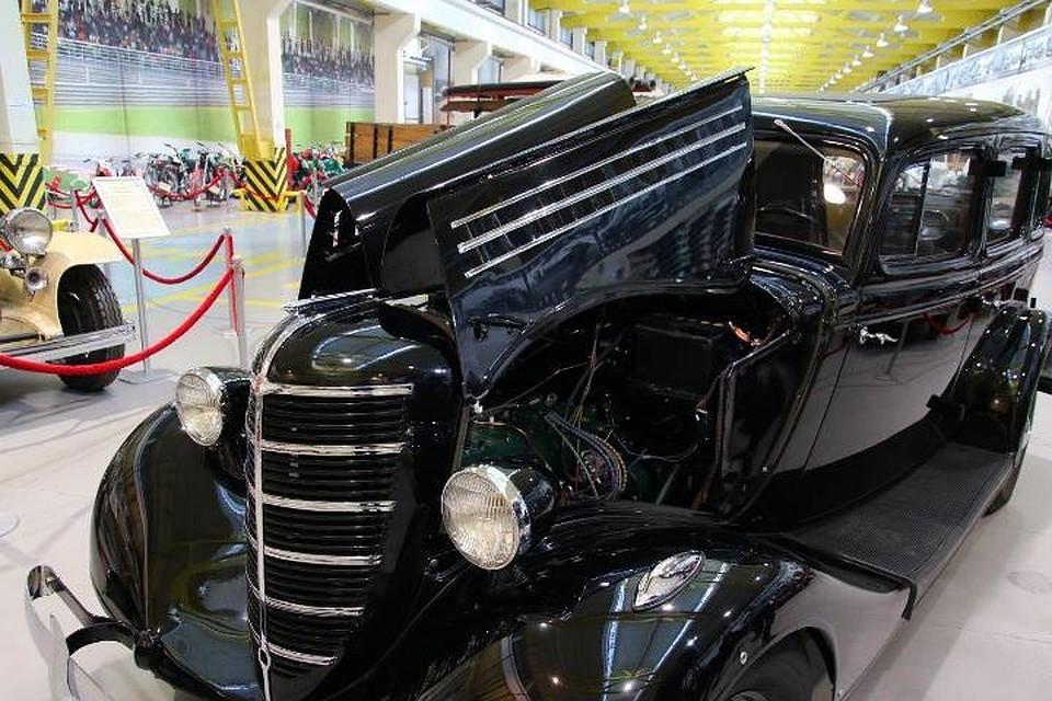 Вмузее автотехники УГМК выставлен мощный ГАЗ-М1 «Эмка»