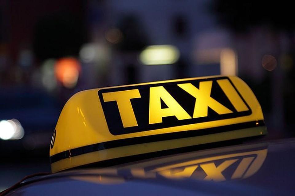 ВГомеле молодой пассажир отказался платить иударил таксиста ножом