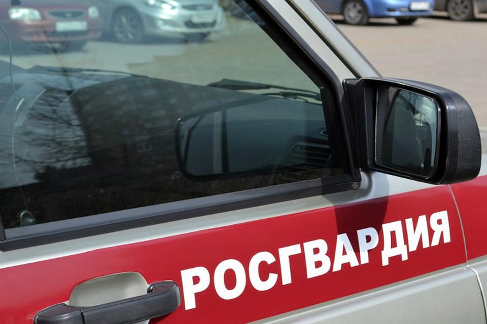 ВХабаровском крае росгвардейцы спасли четырех человек изпожара