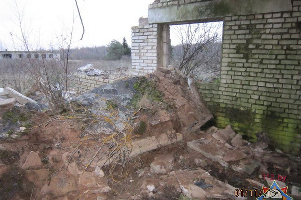 ВКлимовичском районе железобетонная плита обрушилась намужчину