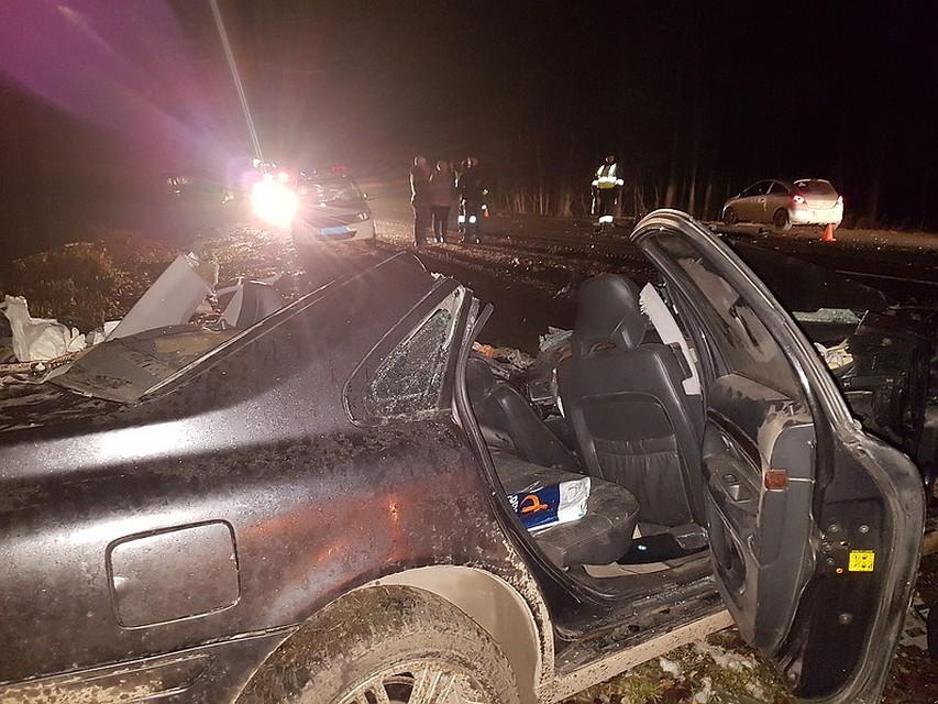 ВБашкирии шофёр «Вольво» умер, залетев под КАМАЗ