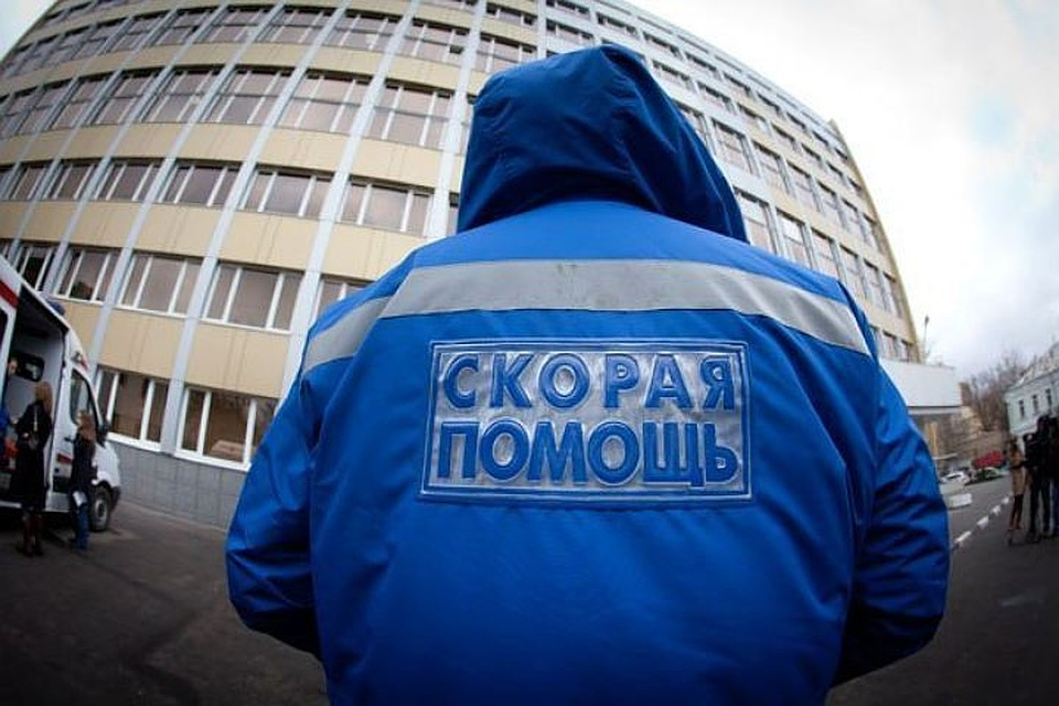 Ребенок изПетербурга сорвался счетвертого этажа при попытке побега