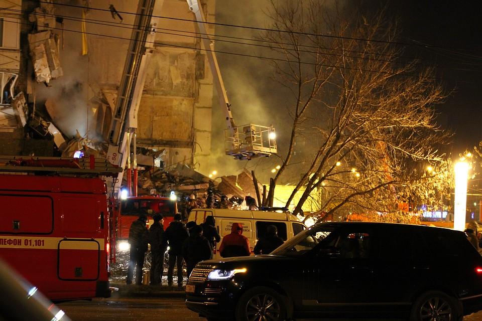 Граждан обрушившегося дома наулице Удмуртской эвакуируют вшколы №83 и №86
